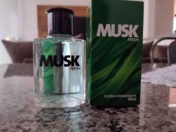 Título do anúncio: Colônia desodorante Musk Fresh Avon