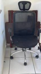 Título do anúncio: Vendo escrivania e cadeira para estudo.