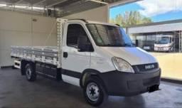Título do anúncio: Caminhão Iveco 35s14  Completo Carroceria