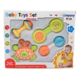 Título do anúncio: Kit 4 Chocalhos Infantil - Baby Toys Set Original  - Company Kids seminovo na caixa