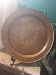 Prato em latão material leve