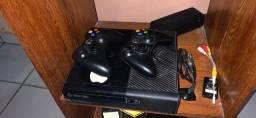 Xbox 360 Dois controle e 74 jogos