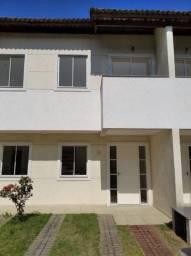 Alugo ótima casa, boa localização, 2 Qtos, 2 Banh, Sala ampla, área de lazer