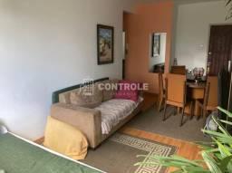 (vv) Amplo apartamento 2 dormitórios, totalmente reformado, no coração do Bairro Estreito.