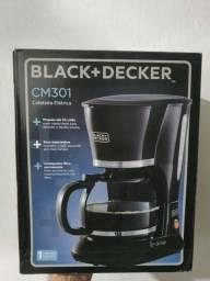 Cafeteira nova lacrada Black e Decker