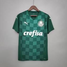 Camisas de times brasileiros e europeus
