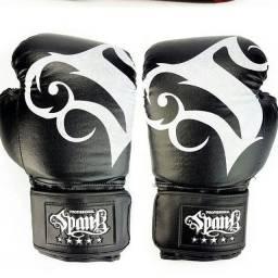 Luva de boxe, Muay Thai, kickboxing