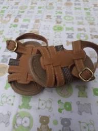 Sandália infantil klin marrom
