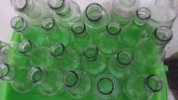 Título do anúncio: Vendo garrafas transparentes