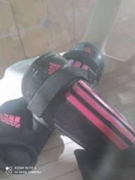 Título do anúncio: Caneleira Adidas