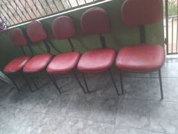 Título do anúncio: Cadeiras bem consevadas