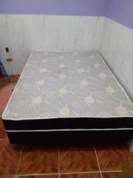 Vendo cama Box casal e um guarda roupa