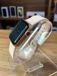 Título do anúncio: Apple Watch Series 5 40mm, Com garantia, Vitrine, Com caixa. R$2.100,00