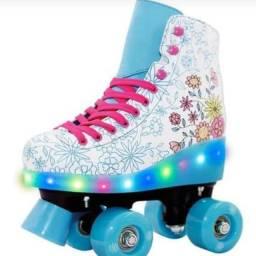 Patins retro na promoçãom patins de Led R$280