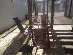 Jogo de 3 cadeiras de fibra e ferro