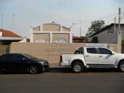 Casa à venda com 3 dormitórios em Centro, Jaboticabal cod:V4446