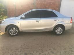 Toyota Etios 1.5 Novo Sedã - 2014