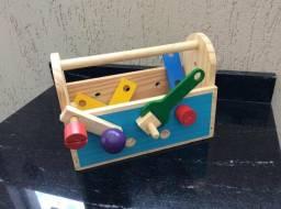Brinquedo caixa de ferramentas de madeira