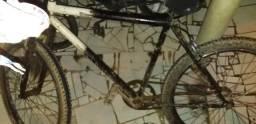 Bicicleta em otimo estado so ta suja devido a chuva msm