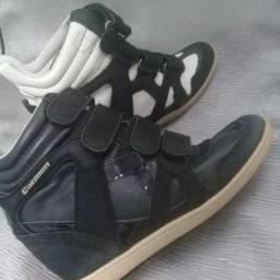 Lindos sapatos de marca 35tam vários