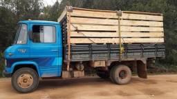 Vendo 608 ou dou de entrada em truk - 1983