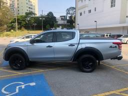 Pick-up L200 outdoor Sport impecável