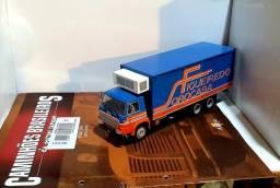 Revista Altaya c/ Miniatura caminhão Fiat 140 Baú 1:43