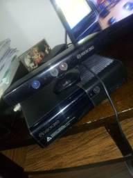 Xbox 360 travado com Kinect 1 controle e 5 jogos originais