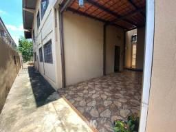 Título do anúncio: Casa para aluguel, 3 quartos, 1 suíte, Centro - Campo Grande/MS