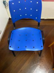Cadeiras variadas