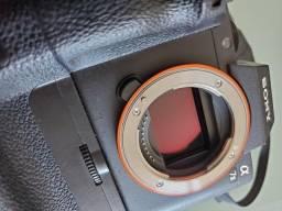 Título do anúncio: Sony A7II  Grip + Lente Sony 28-70mm + Carregador simples + Carregador duplo + 5 baterias