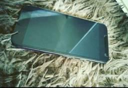Vendo Motorola G4 play muito bem conservado , e funcionando tudo.