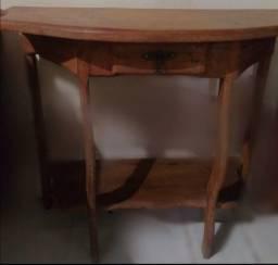 Mesa de canto de madeira