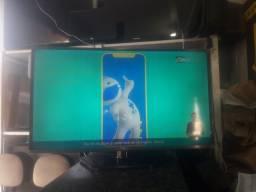 Título do anúncio: TV 40p LG led com sinal digital, obs  tem 2 linhas  na tela,  não interfere  em  nada