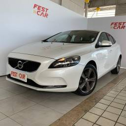 Título do anúncio: Volvo V40 2.0 T4 Kinetic 2018 Aut *Muito Novo (81) 9 9124.0560 Brenda