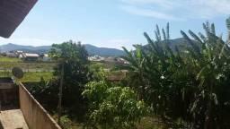 ALUGO APTo 590 reais Itaipuaçú.Próximo praia,ônibus p o Rio em frente