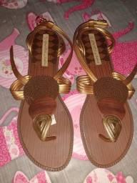 2 sandálias novas por 50,00