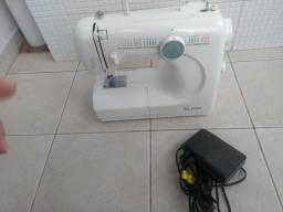 Máquina de Costura Elgin Modelo Genius JX-4000 Portátil