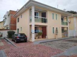 Costazul/Costa Azul - Casa Duplex com 3 quartos sendo 2 suítes, em Rio das Ostras