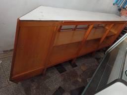 Expositor em Madeira Maciça (Balcão seco)