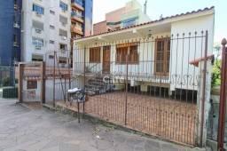 Título do anúncio: Casa ampla com 3 dormitórios, com localização central, excelente para investidor, e moradi