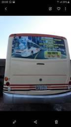 Vende se um ônibus