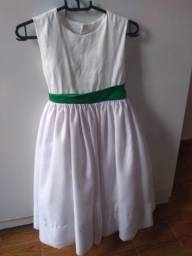 Título do anúncio: Vestido branco infantil.
