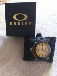 Relógio OAKLEY novo na caixa