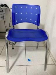 Título do anúncio: Cadeiras Plasticas p/ Escritório