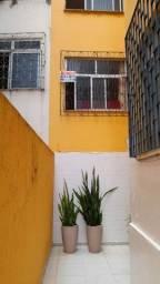 Título do anúncio: Alugo apt 2/4 com suite, mobiliado - Graça/ Salvador, Sem garagem