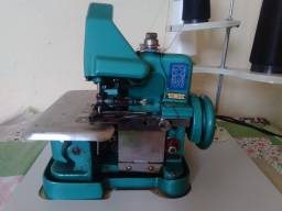 Título do anúncio: Máquina de costura overloque chinesinha.