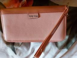 Lindas bolsas e carteiras