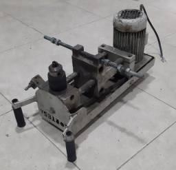 Título do anúncio: Fresadora Pantografo Cortesa com motor trifásico Eberle