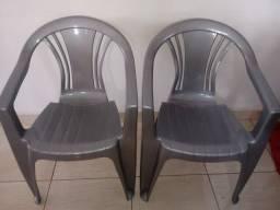 Título do anúncio: 2 cadeiras grandes